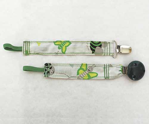 chupetero pinza madera verde (2)