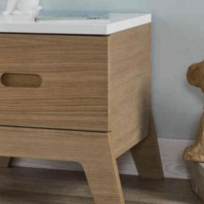 mesita de noche en madera de la marca Junior Provence