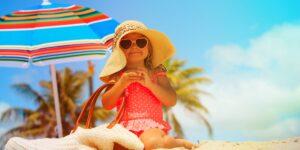 ¿Cómo preparar la bolsa de playa del bebé?