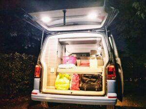 Vaya de vacaciones en familia en una furgoneta con roadurfer